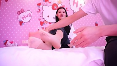 tickle japanese feet
